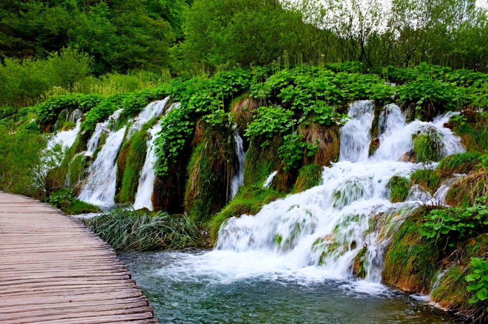 Plitvice Lakes National Park - The Watery Eden (3/6)